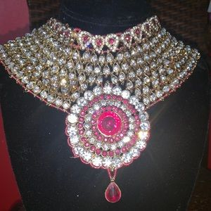 Luxurious Indian High Quality Necklace Set